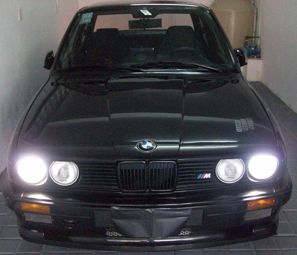 Auto BMW 320IE Coupé