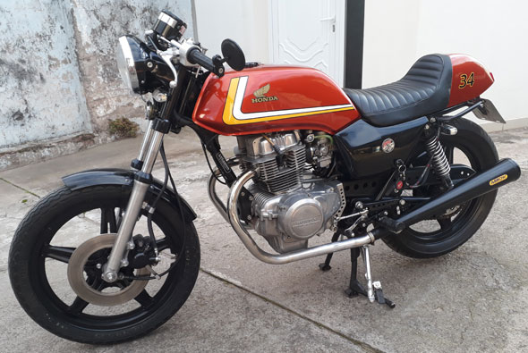 Honda CB 400 Motorcycle