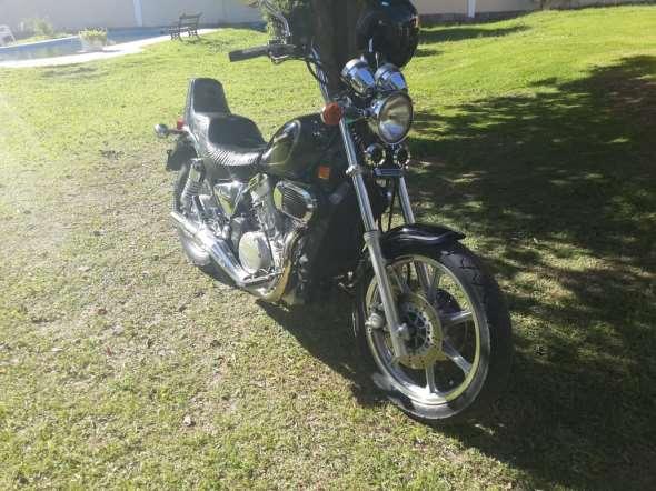 Kawasaki Vulcan 750 1989 Motorcycle
