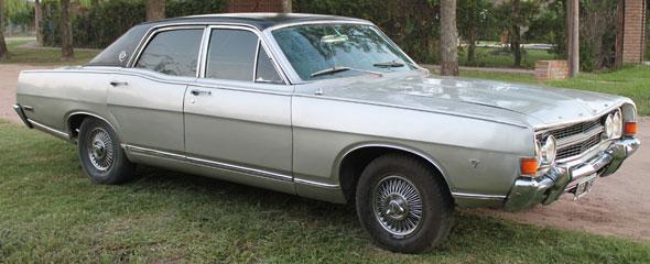 Auto Ford Fairlane
