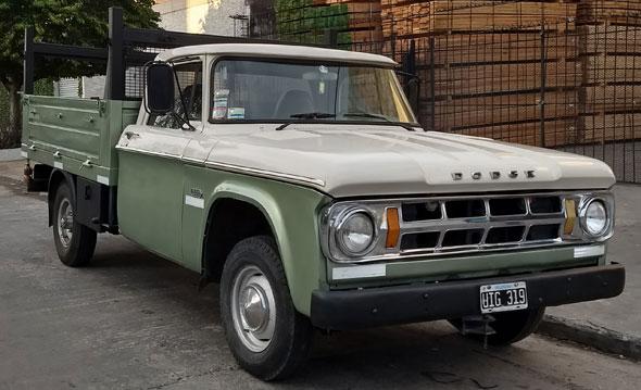 Auto Dodge 200