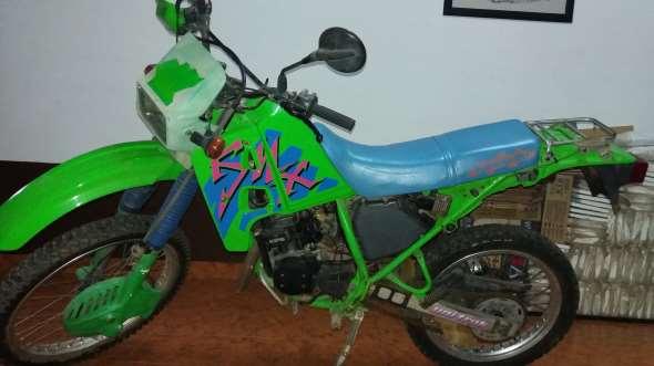 Moto Kawasaki KMX125
