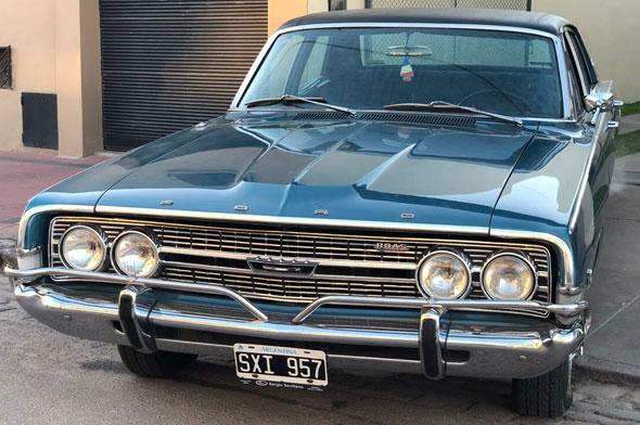 Car Ford Fairlane V8 Ltd 1972