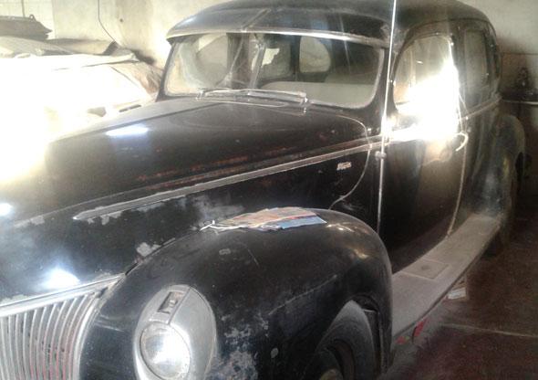 Auto Ford Sedán