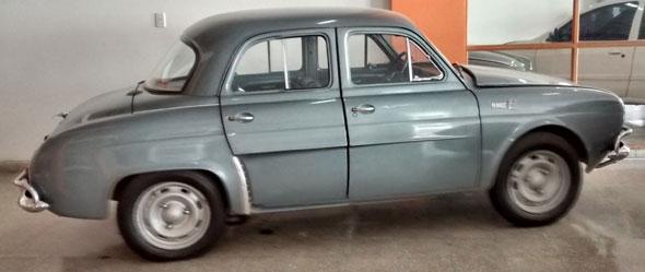Car Renault T 850