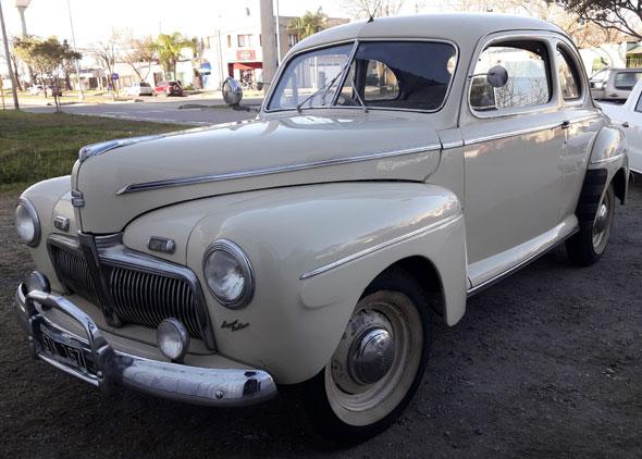 Car Ford 1943
