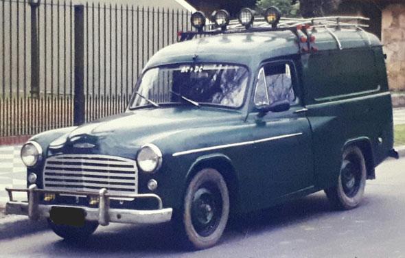 Car Hillman Commer 1954