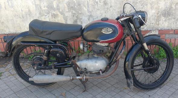 Moto Gilera 150 SS