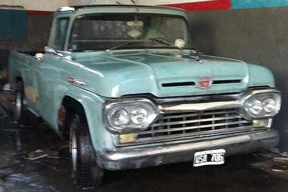 Auto Ford F 100 1960