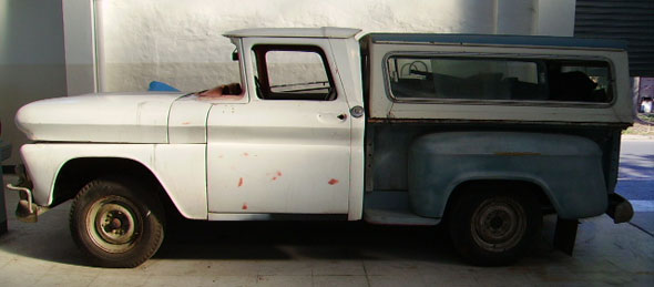 Car Chevrolet Apache 1961