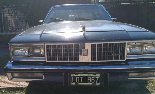 Car Oldsmobile Cutla 1979