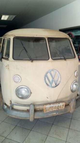 Auto Volkswagen Kombi 1974