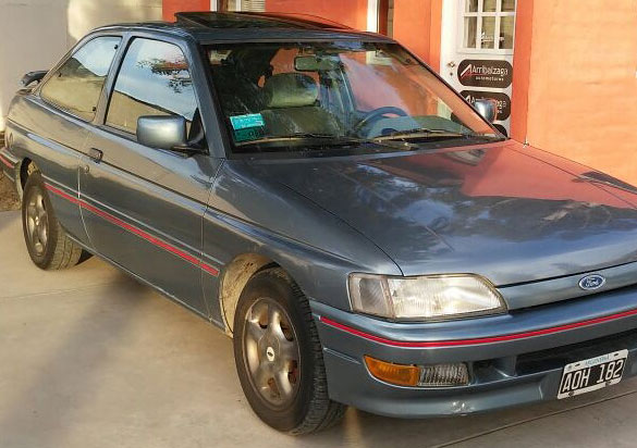 Auto Ford Coupé XR3