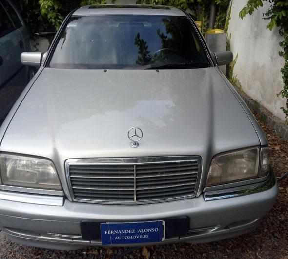 Auto Mercedes Benz C240