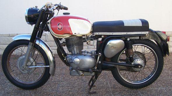 Moto Gilera 200 GT
