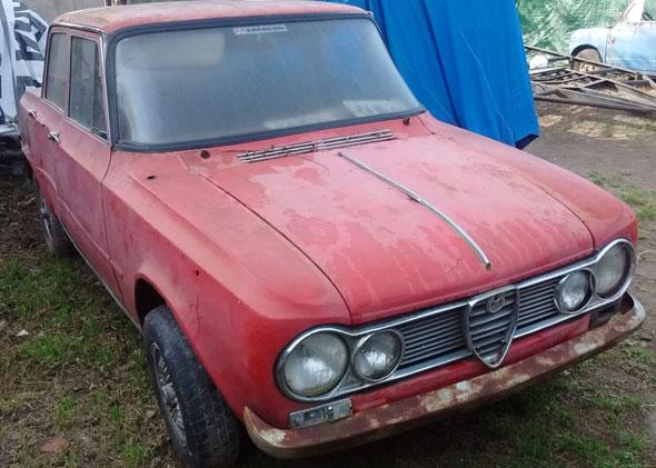 Auto Alfa Romeo Giulia