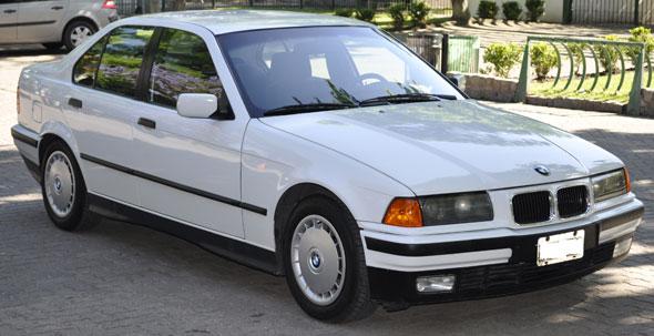 Auto BMW 325 TD