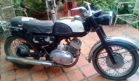 Moto Suzuki 1962