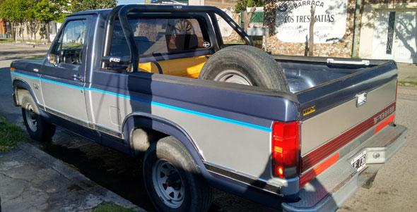 Auto Ford F 100