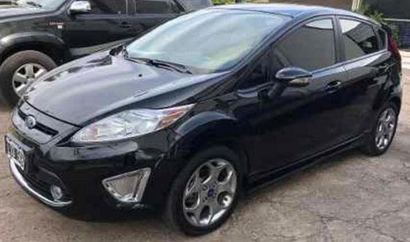 Auto Ford Fiesta 1.6 Titanium 2012