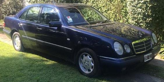 Auto Mercedes Benz E240 2.4 1998