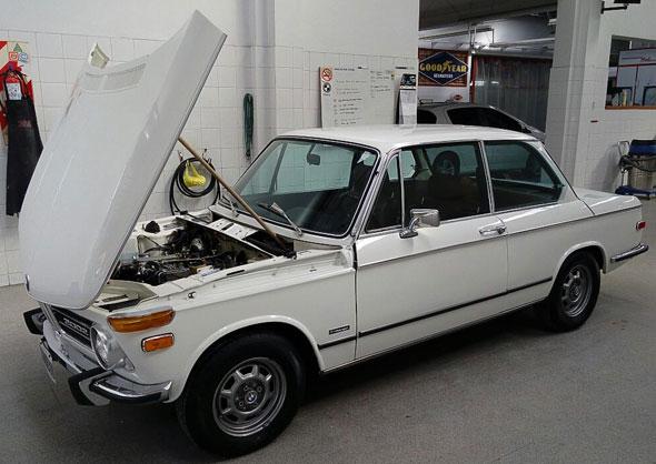 Auto BMW 2002TI Alemán