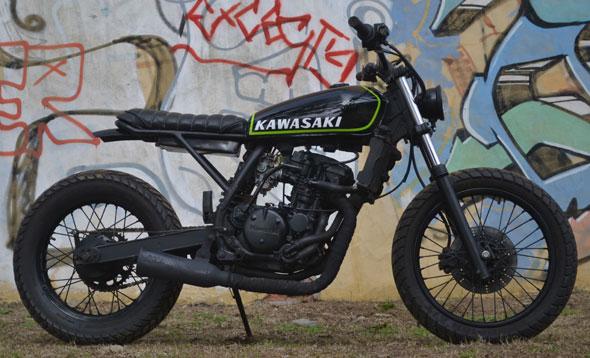 Moto Kawasaki KLR 250 Tracker