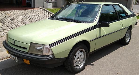 Auto Renault Fuego GTX 2.2 1989
