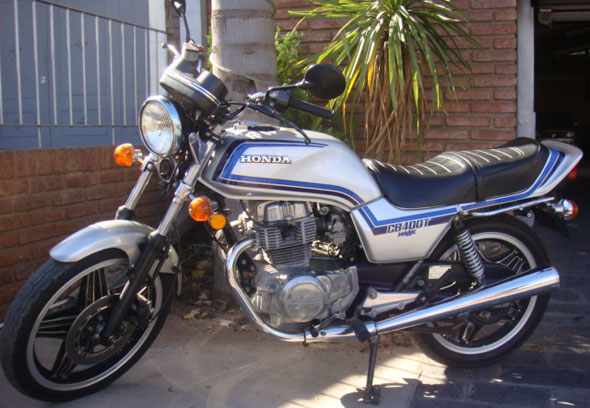 Auto Honda CB 400