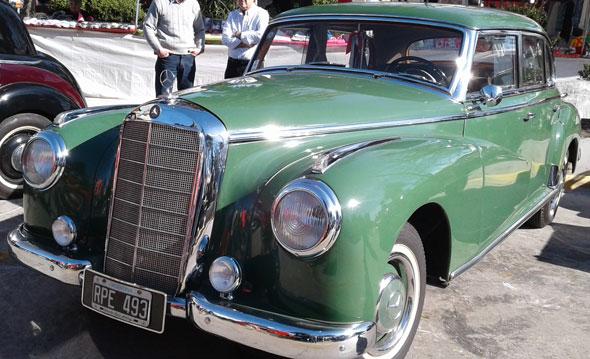Auto Mercedes Benz W186 300 1952