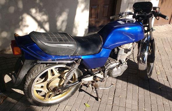 Moto Honda CB400