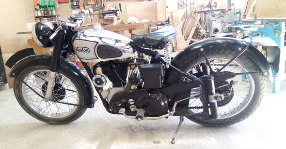 Moto Norton 500 ES2