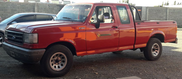 Auto Ford F100 Supercab 3.6
