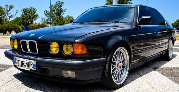 Auto BMW 735i
