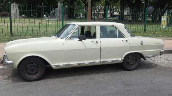 Car Chevrolet 400 1974