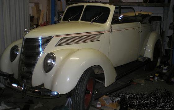 Auto Ford 1937 Cabrio