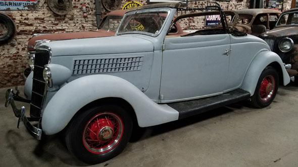 Auto Ford Cabriolet 1935