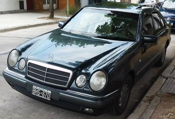 Car Mercedes Benz E300 Diesel
