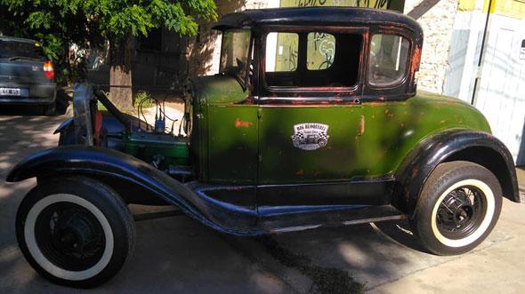 Car Ford 1930