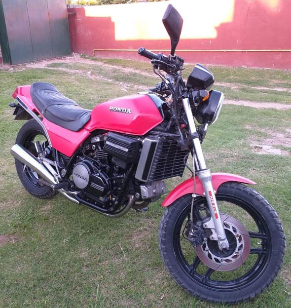 Moto Honda Sabre Magna