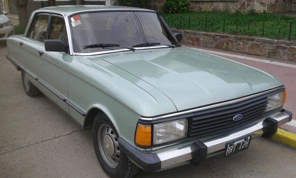 Auto Ford Falcon De Lujo