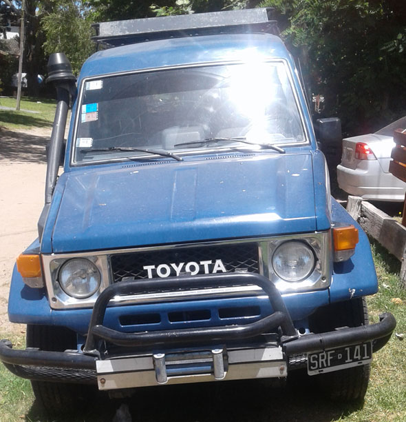 Auto Toyota Land Cruiser BJ 75 1988