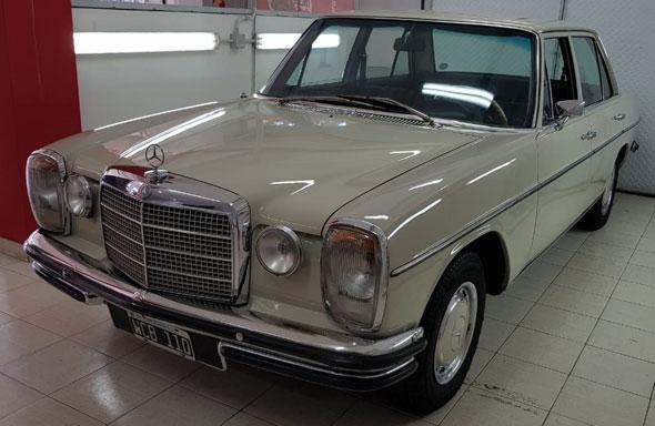 Auto Mercedes Benz 250 W114 250