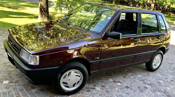 Auto Fiat Uno SCR