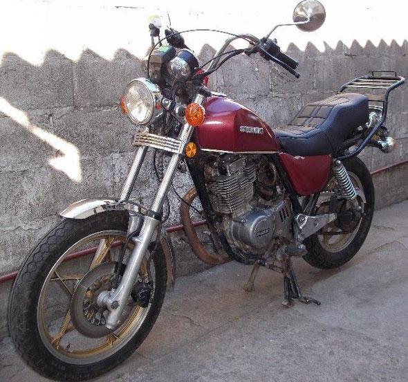 Suzuki GN 400 Motorcycle