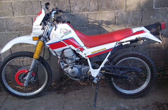 Moto Yamaha XT 225 1994