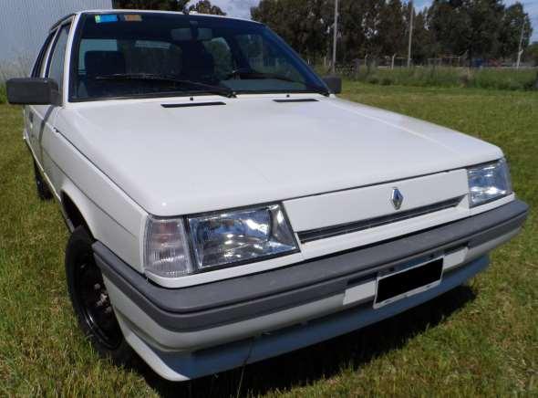 Auto Renault 11