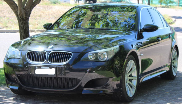 Auto BMW M5 V10