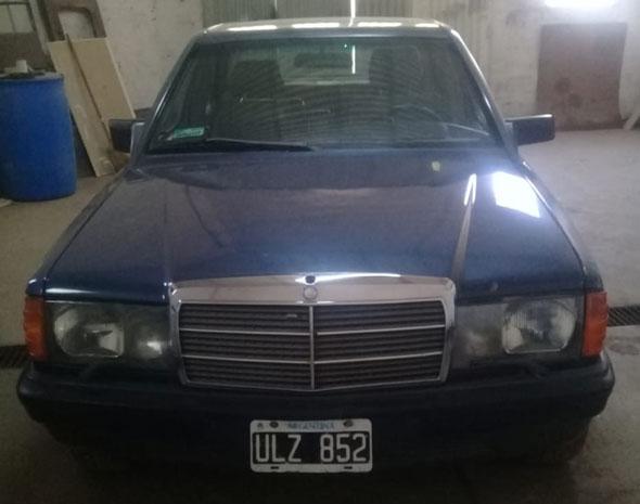 Car Mercedes Benz 1988
