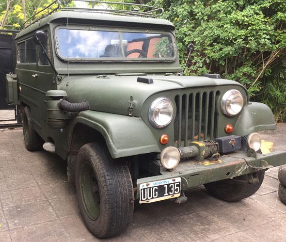 Car IKA Jeep Doble Tracción